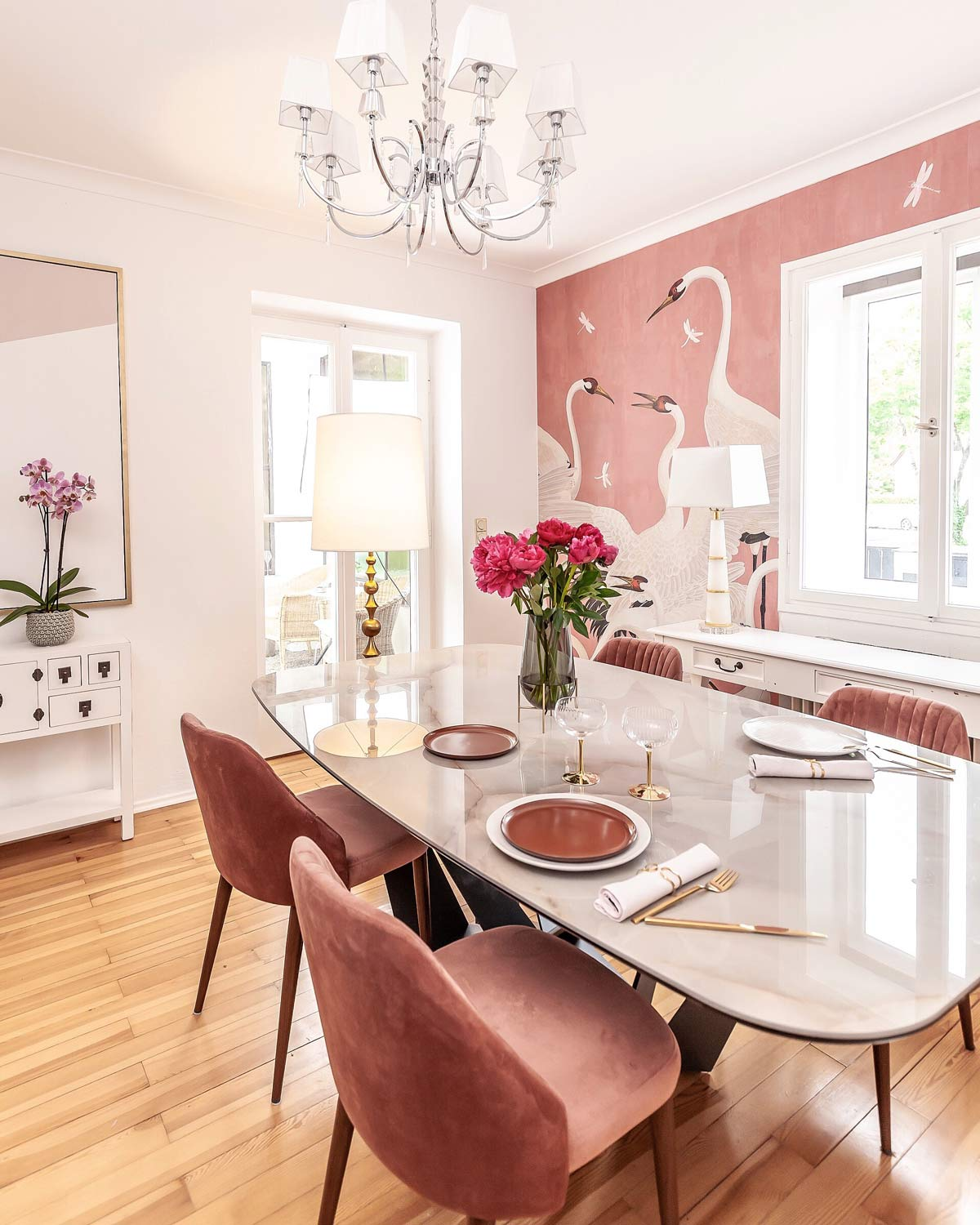 interiorblogger colorful dining- room decor