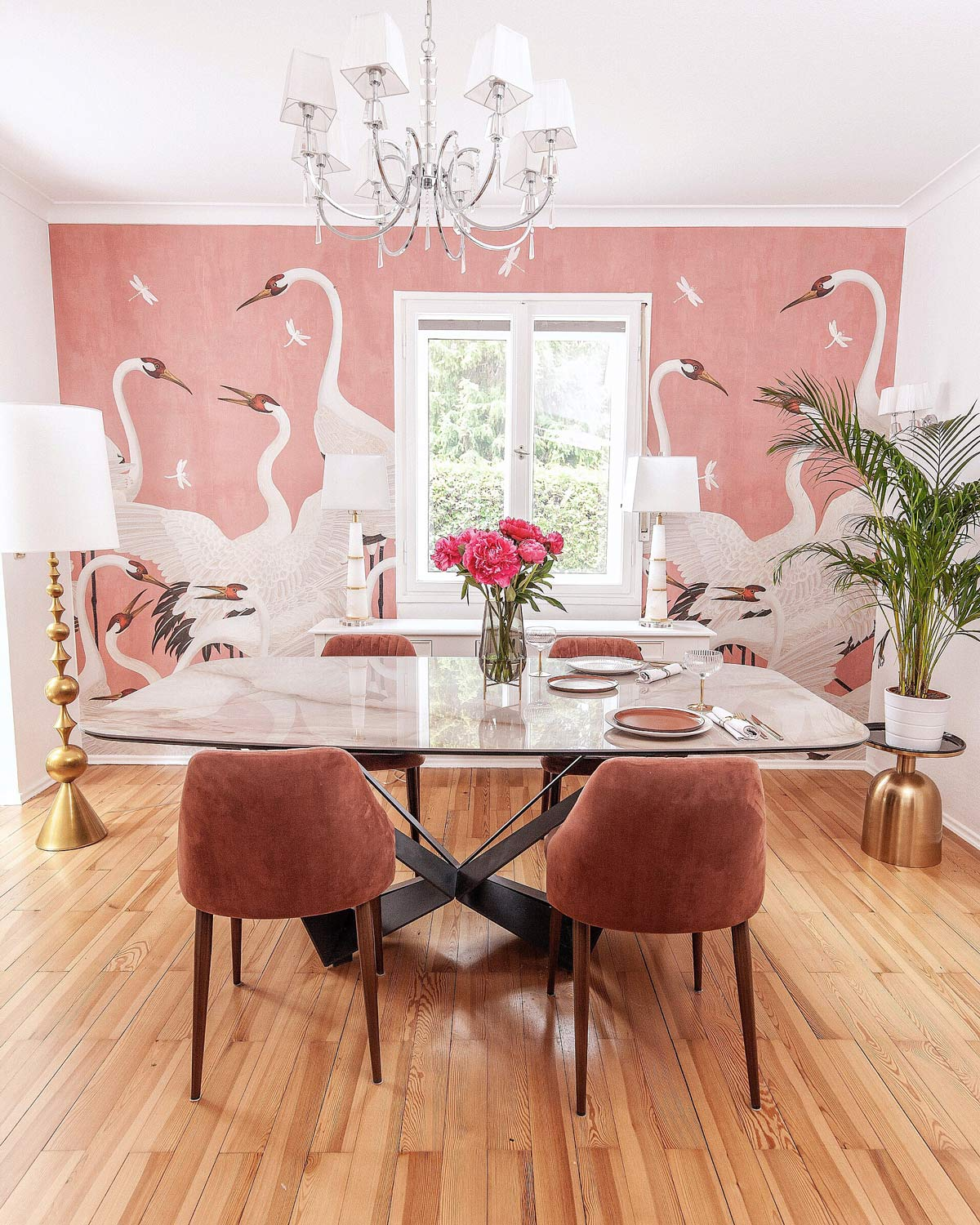 summer dining room decor pink