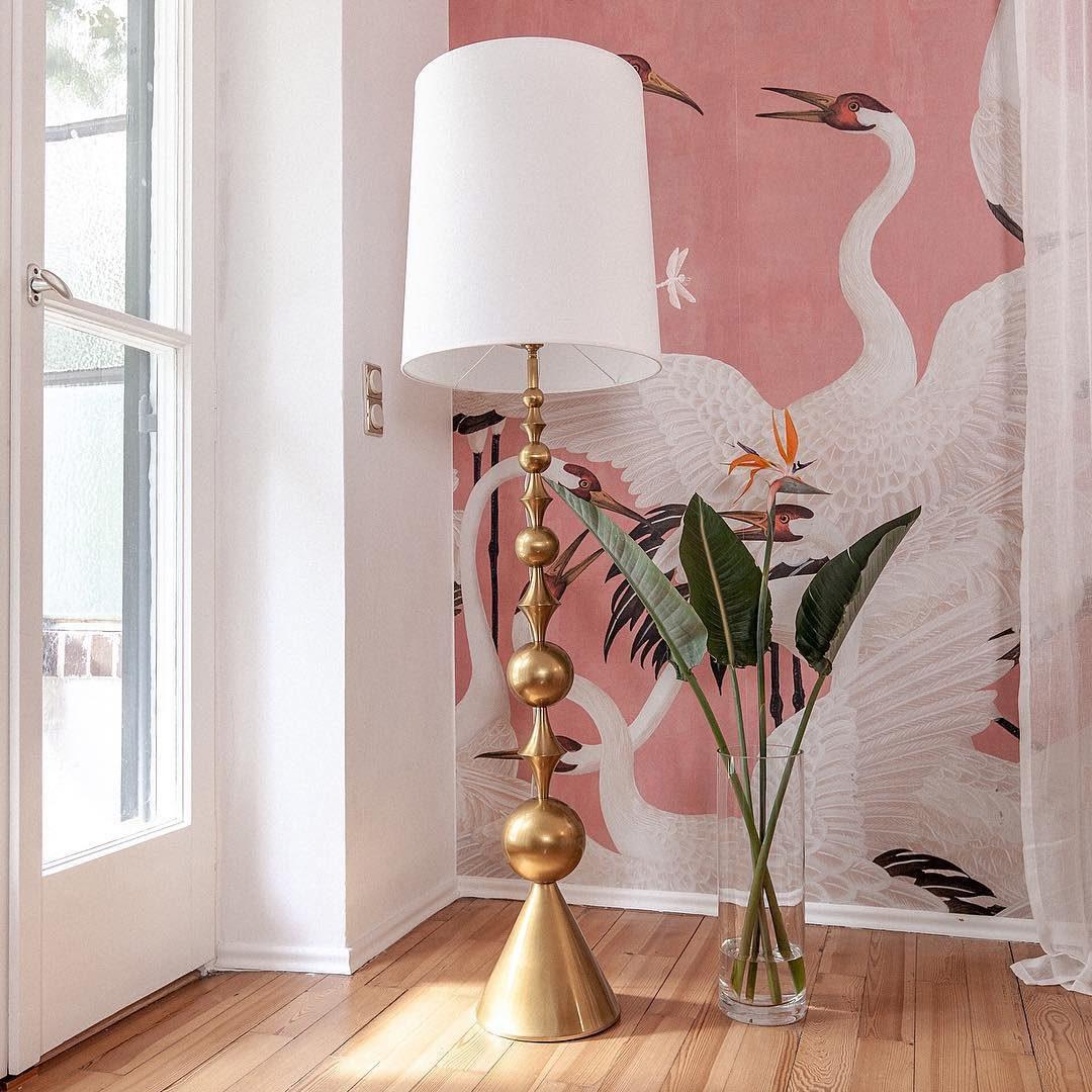 _jonathan-adler-lamp-guccidecor-wallpaper